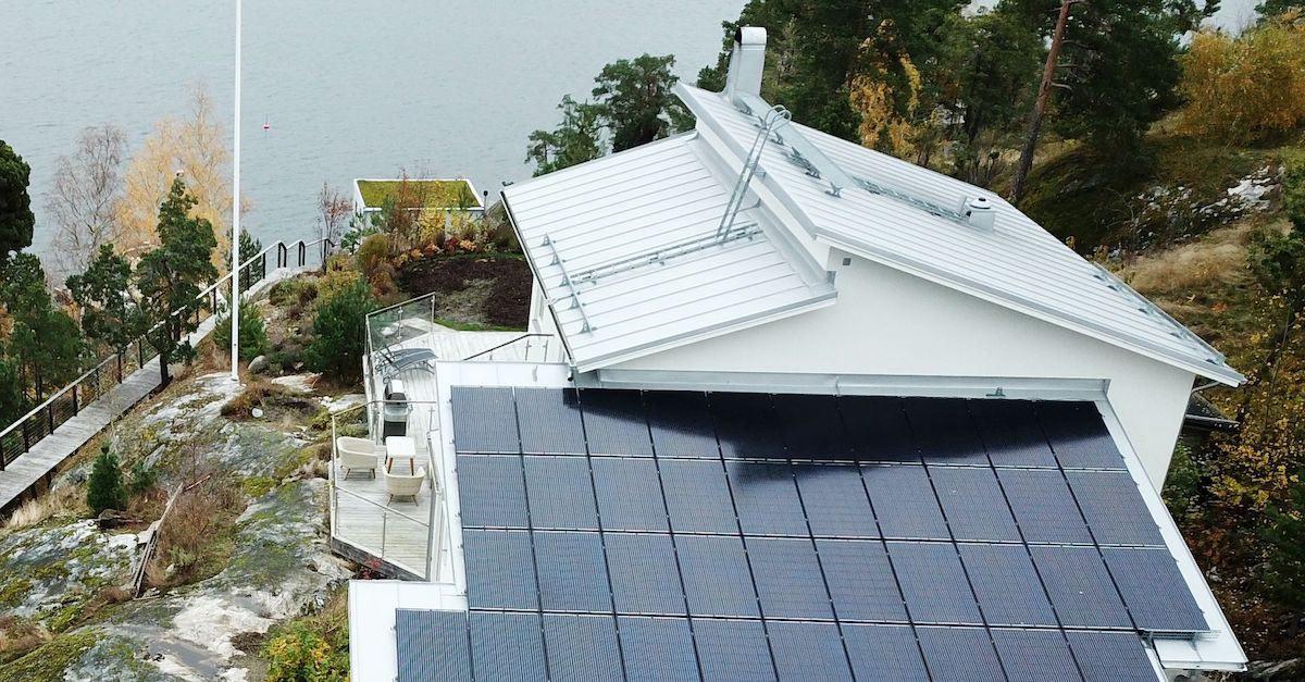 Tjen penger på solcellepaneler med å selge overskuddstrømmen videre til strømselskapene.