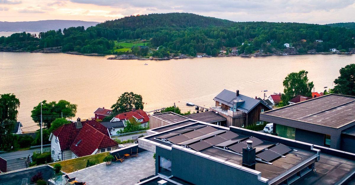 Spar penger med solcellepaneler fra Otovo på taket. Vi er ledende i Norge.