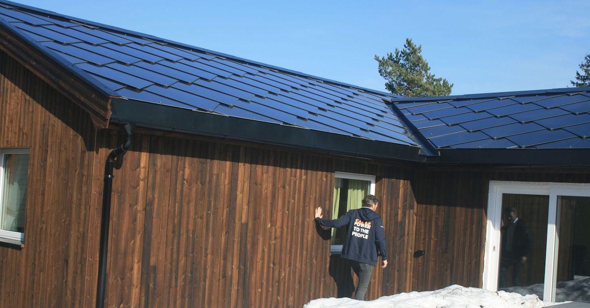 Vurder solcelletakstein når du skal bytte tak og spar penger på strømregningen i flere tiår framover.